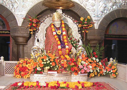 http://img.yatra.com/content/images/byop/dest/Shirdi/411x291saibaba1.jpg